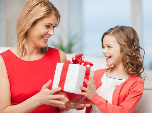 15 gifting ideas for mothers day that burst with love for Christmas gift ideas for mom from daughter
